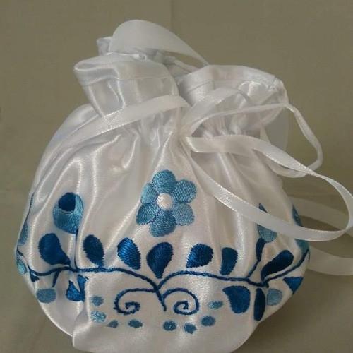 Menyasszonyi szütyő