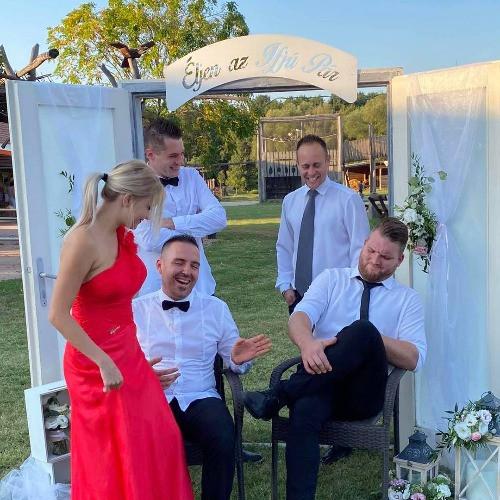 Bulizenekar esküvőre 2021 - esküvői piactér
