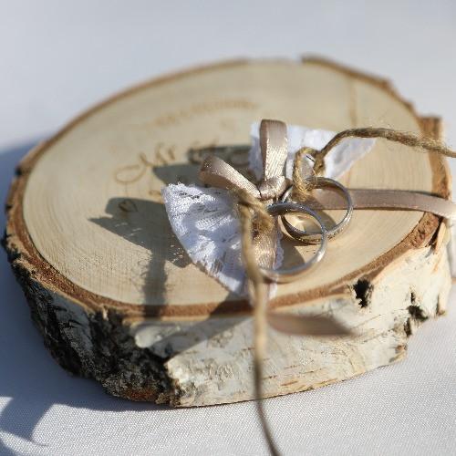 Fa rusztikus Mr&Mrs gyűrűtartó