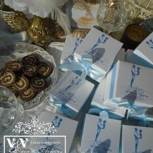 Dobozos esküvői meghívók nagy választékban, szépséges díszítésekkel, sokféle színben és stílusban:)