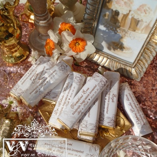 Csokoládé köszönetajándékok sokféle mintával www.dreamflowersmeghivok.hu