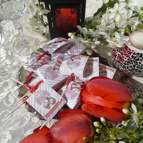Nyalóka, csoki, cukor esküvői köszönetajándékok nagy választékban: www.dreamflowersmeghivok.hu