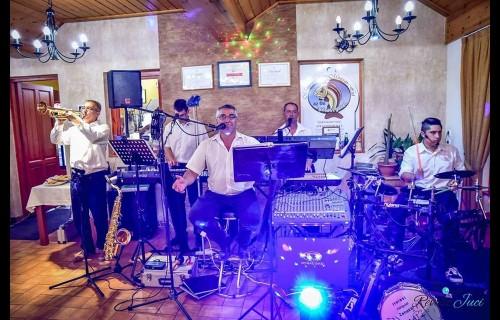 Halasi Hangulat zenekar - esküvői szolgáltató
