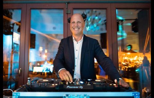 Czeba Máté esküvő DJ - esküvői szolgáltató