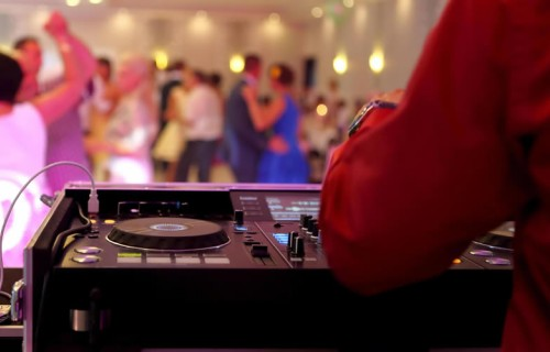 Cocktail Esküvői Dj - esküvői szolgáltató