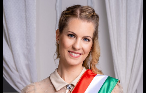 Pfeiffer Veronika Szertartásvezető - esküvői szolgáltató