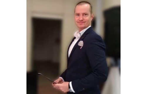 Józsa Péter ceremóniamester és tánctanár-a TánCer - esküvői szolgáltató