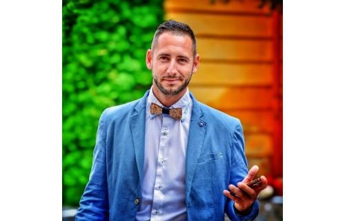 Pleiveisz Péter Ceremóniamester - esküvői szolgáltató