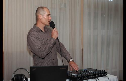 Bábella Zoltán Esküvői DJ - esküvői szolgáltató