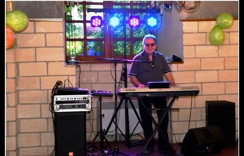 László zenész, és DJ - esküvői szolgáltató