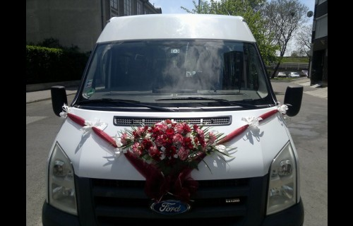 Lacibusz Személyszállítás 8 főig. Esküvői buszbérlés. - esküvői szolgáltató