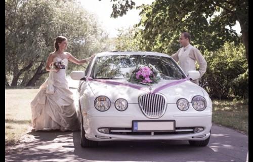 Hófehér Luxus Jaguar - esküvői szolgáltató