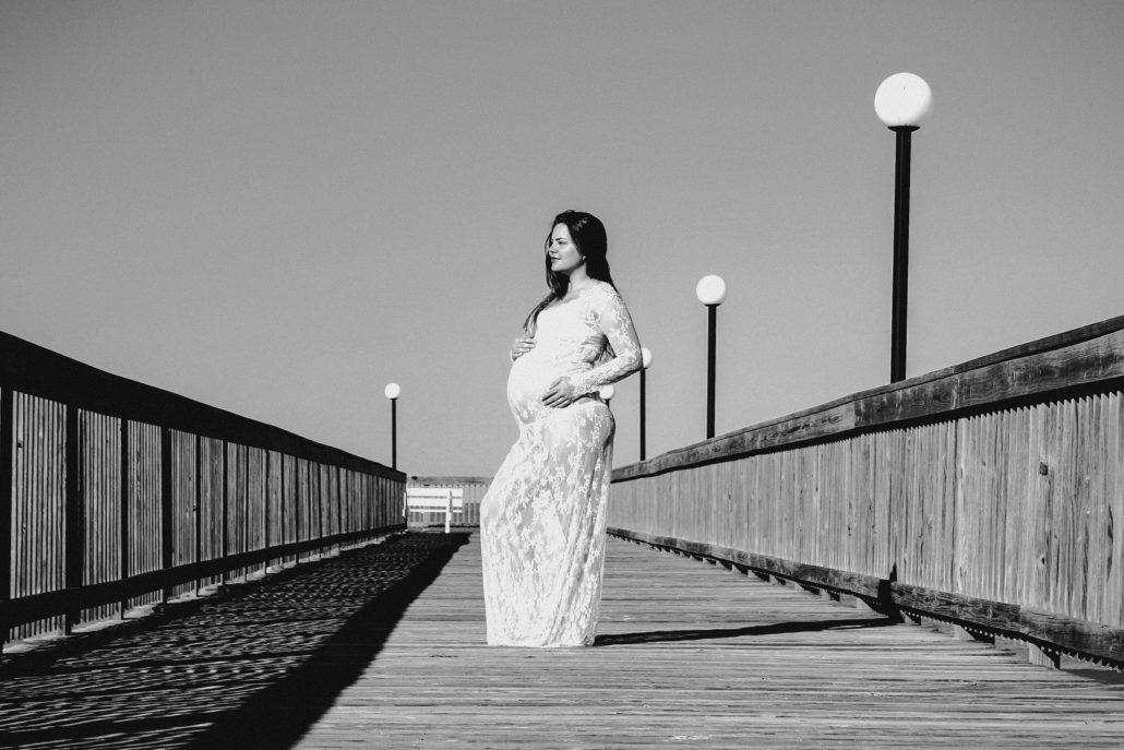 Kismama esküvői ruhában