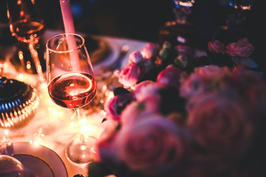 Bor és rózsák