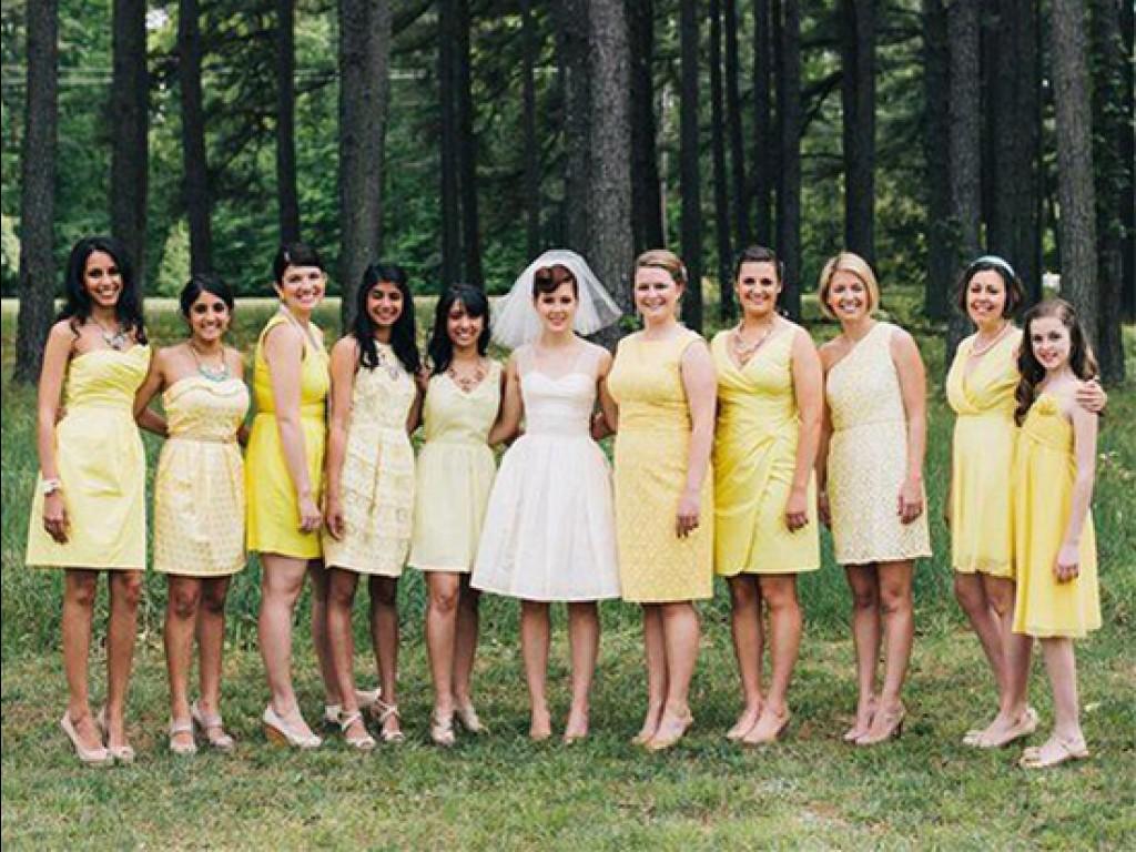 Rövid menyasszonyi ruha, miért ne?