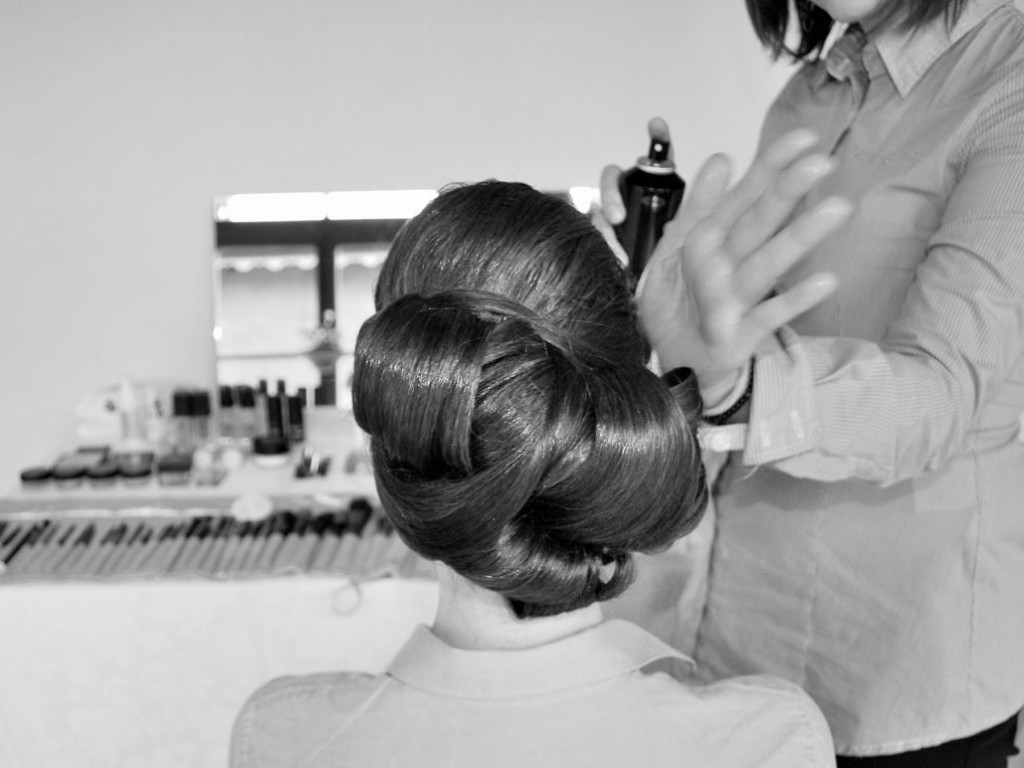 Esküvői frizura otthon