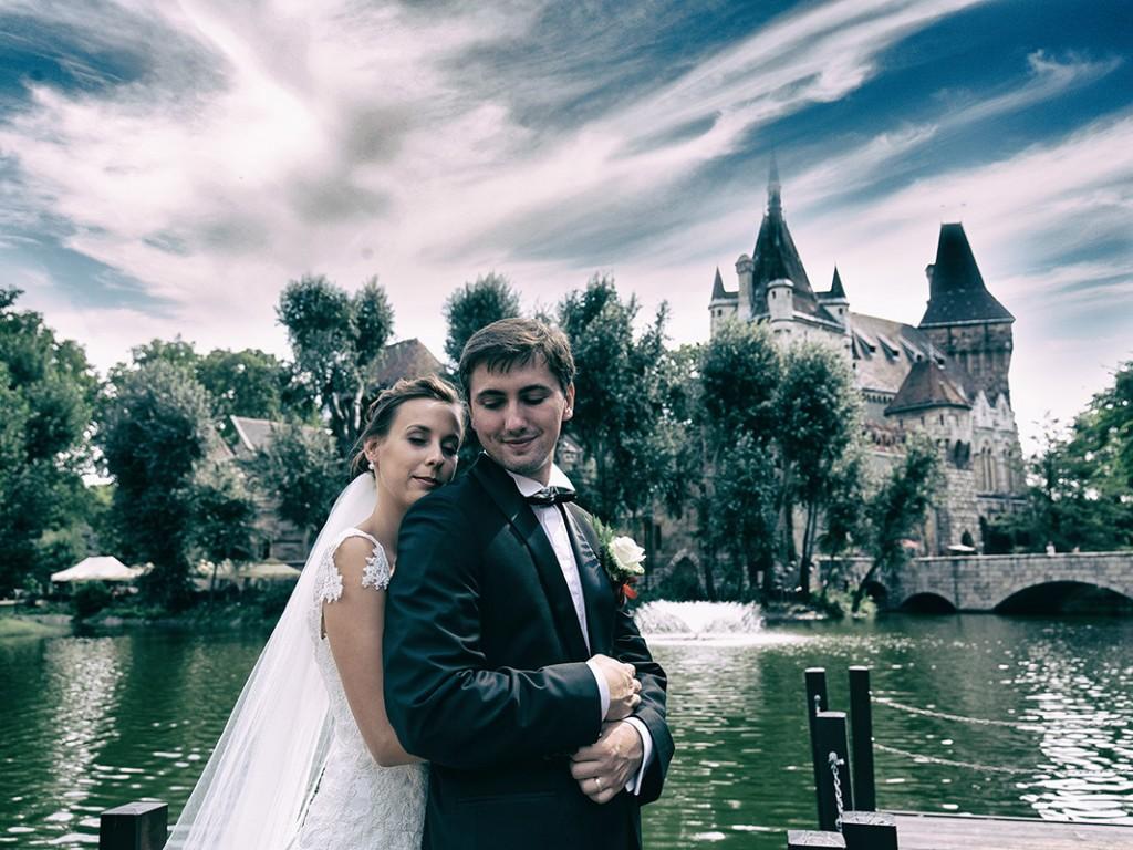 A tökéletes esküvői fotózás hely Budapest, mert itt minden megtalálható ami a jó esküvői fotósorozathoz kell