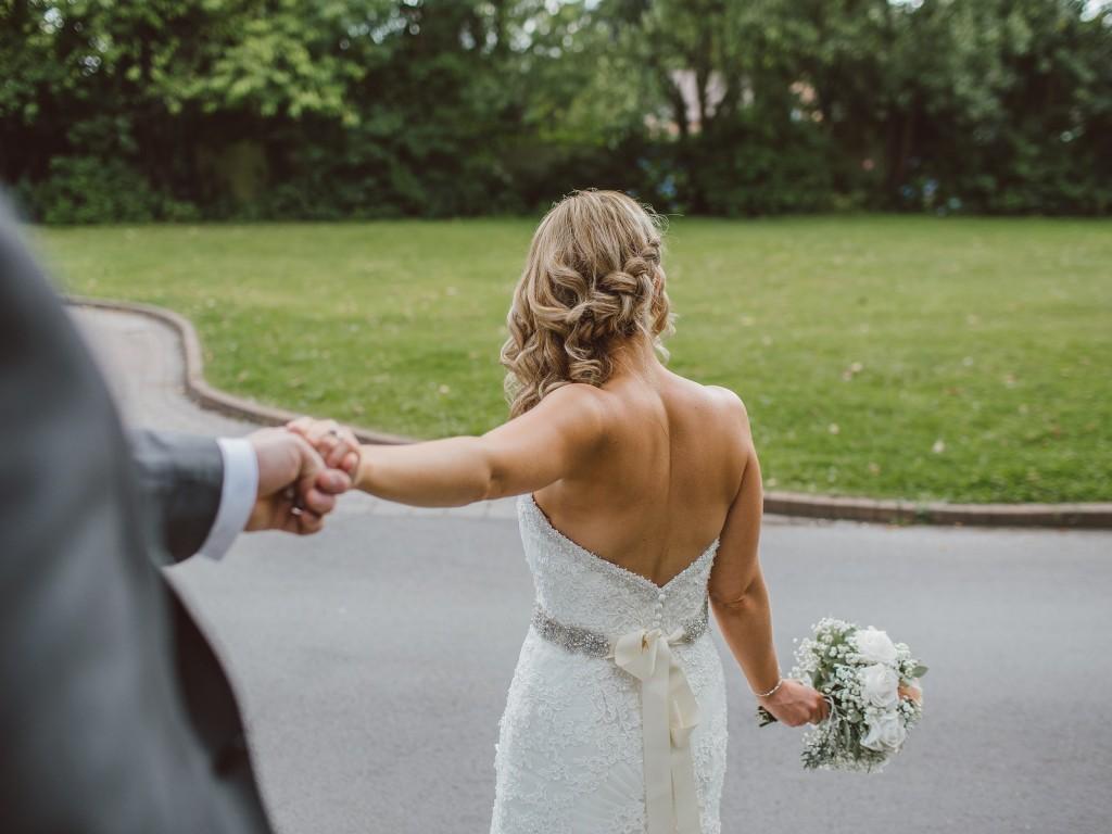 A legszebb hajfonatok esküvőre rövid-és hosszú hajból