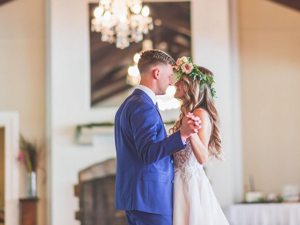Romantikus zenék esküvőre a bevonulástól az éjféli táncig