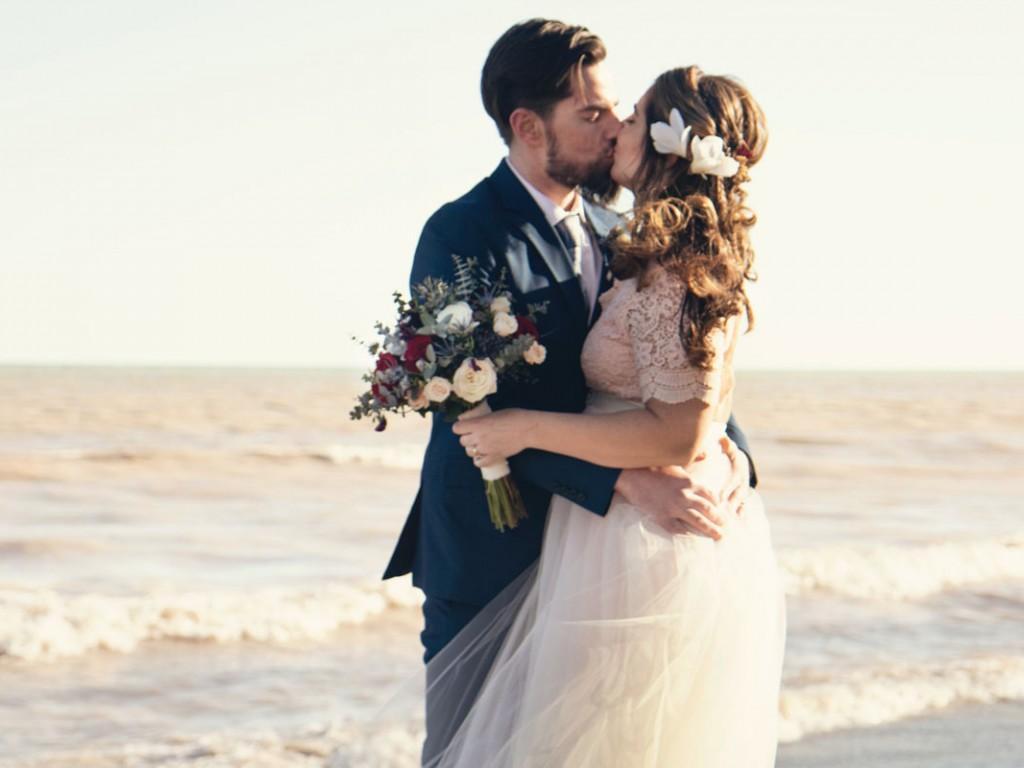Virágos menyasszonyi hajdísz, a bohém lányok tökéletes kiegészítője