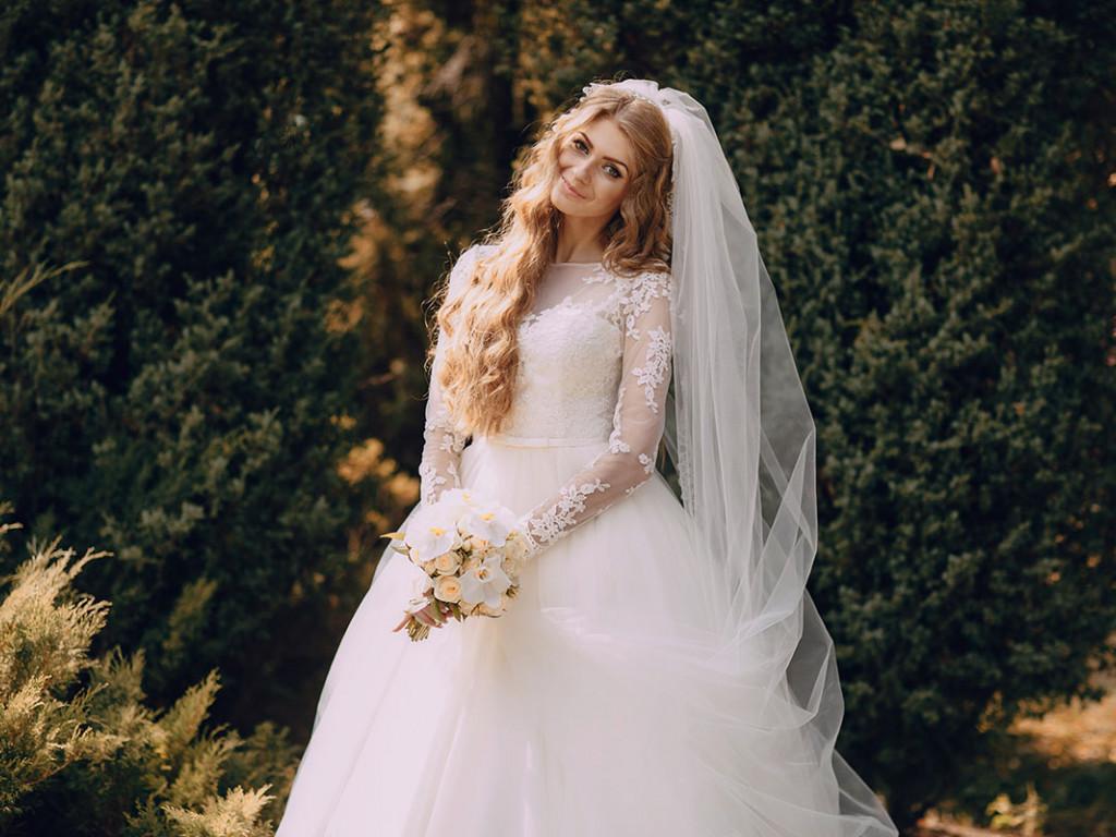 Hosszú ujjú menyasszonyi ruha, az őszi esküvők sztárja