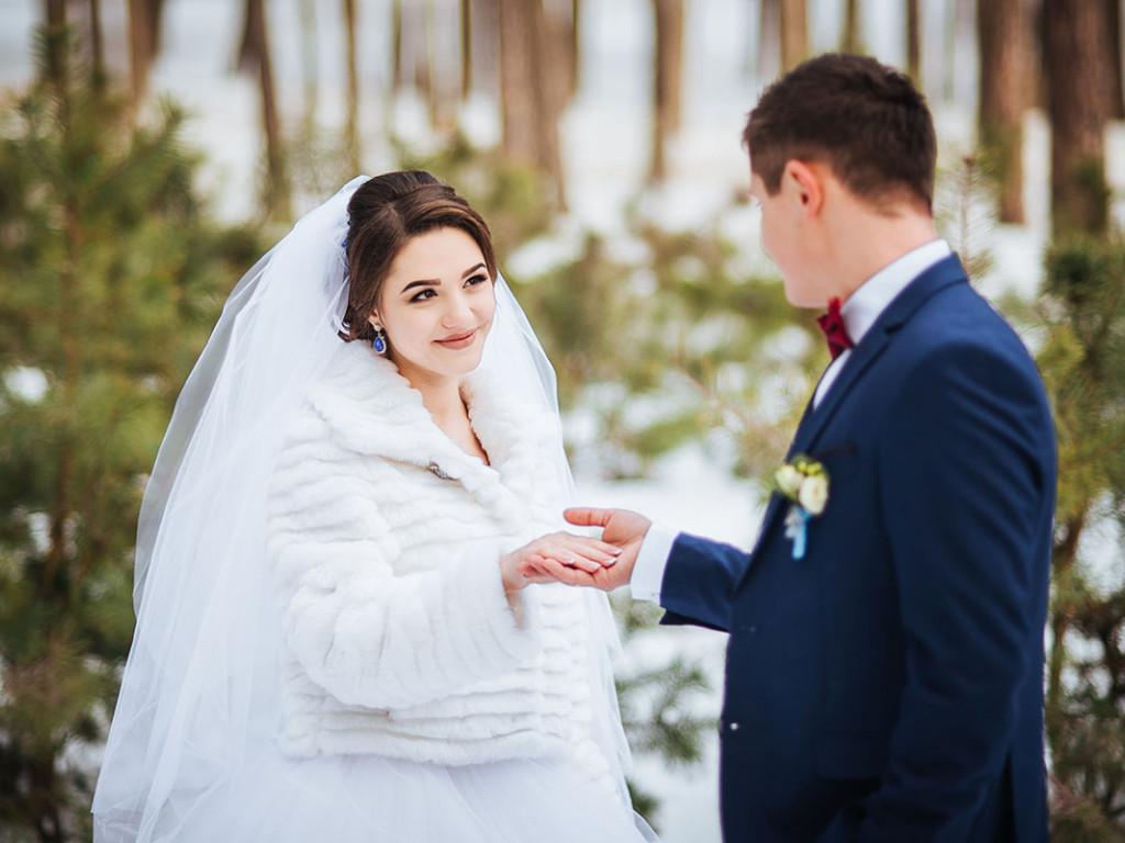 Meseszép téli esküvői ruha kiválasztása - Ragyogj, ne vacogj!