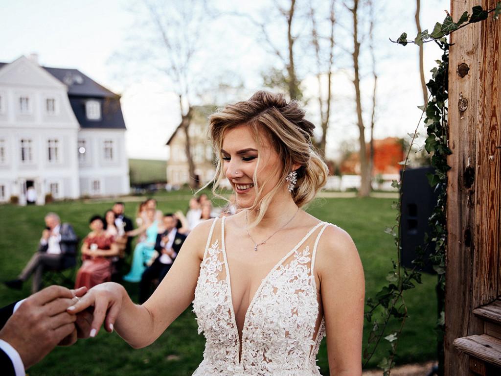 A kis esküvő szépségei lepipálják a nagy felhajtást